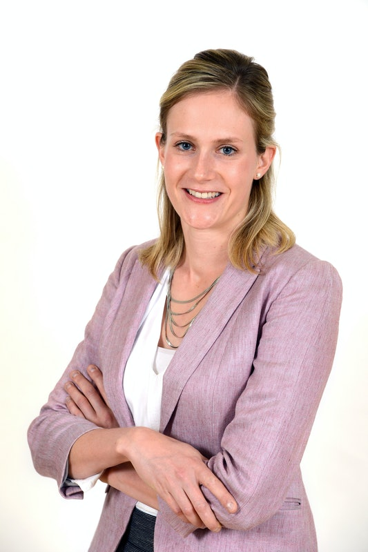 Laura Morris5